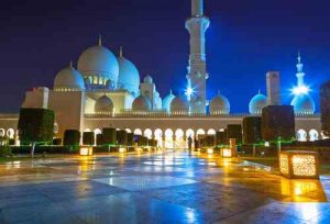 Abu Dhabi Mosque - Abu Dhabi City Tour