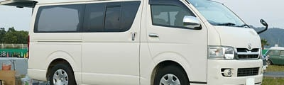 12 passenger van Dubai